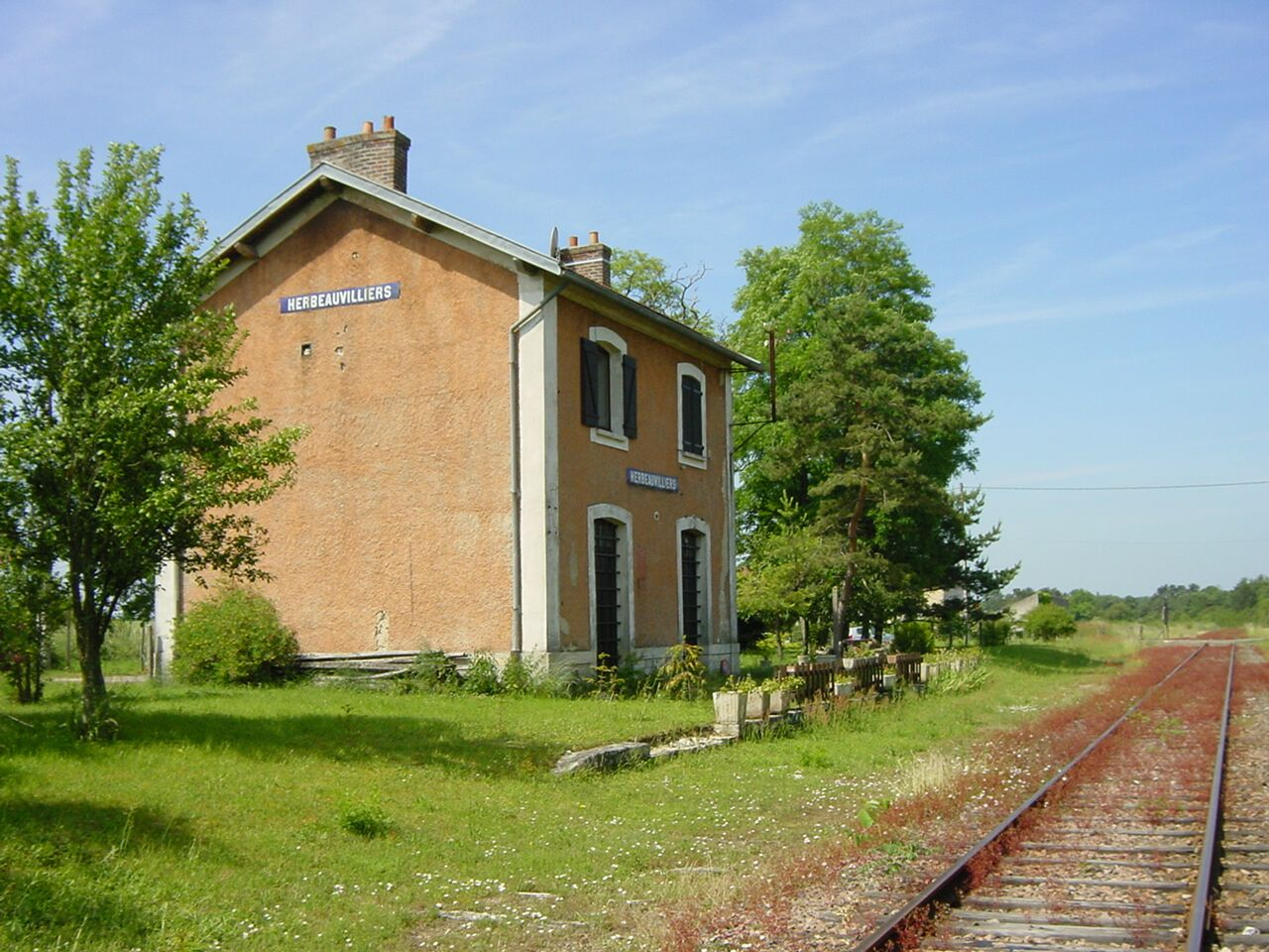 gare-dherbeauvilliers